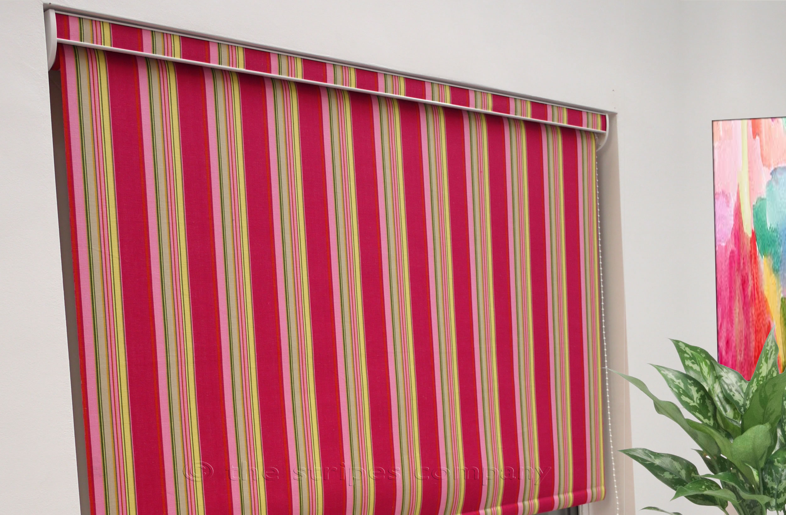 roller blind with fabric covered pelmet