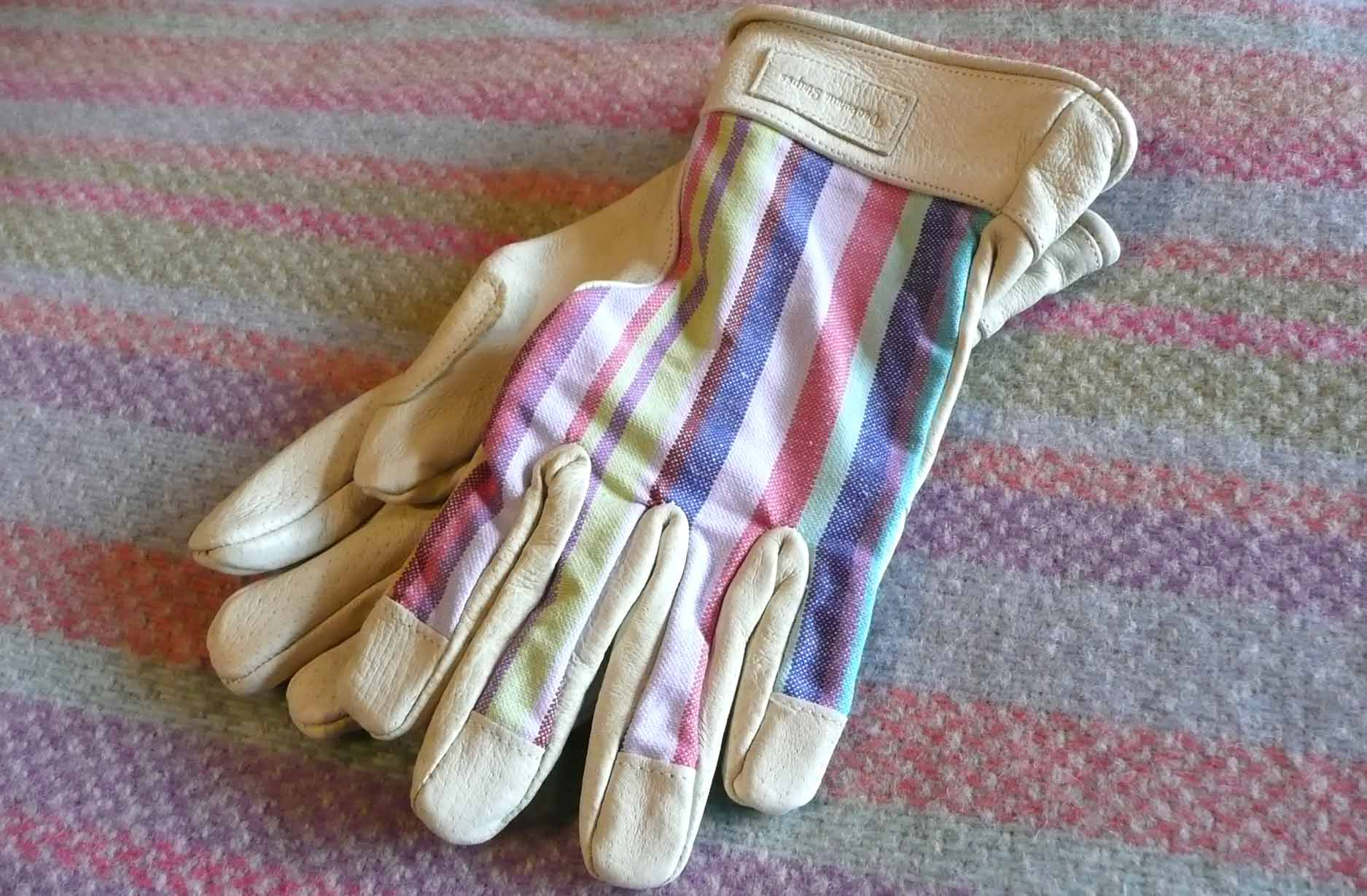 - Ladies Gardening Gloves | Womens Leather Gardening Gloves