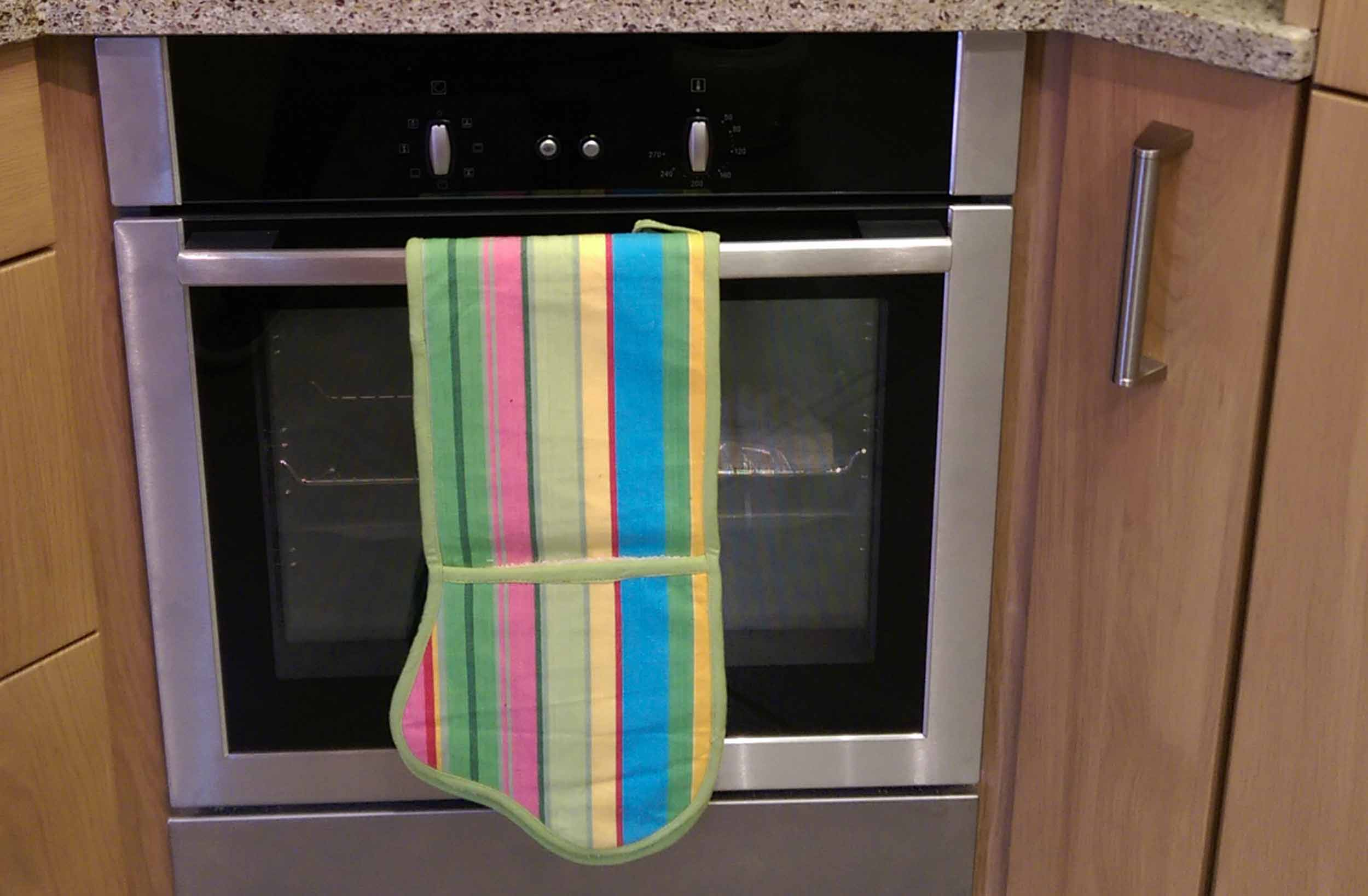 Pink Striped Oven Gloves | Double Oven Mitts Snooker Stripes
