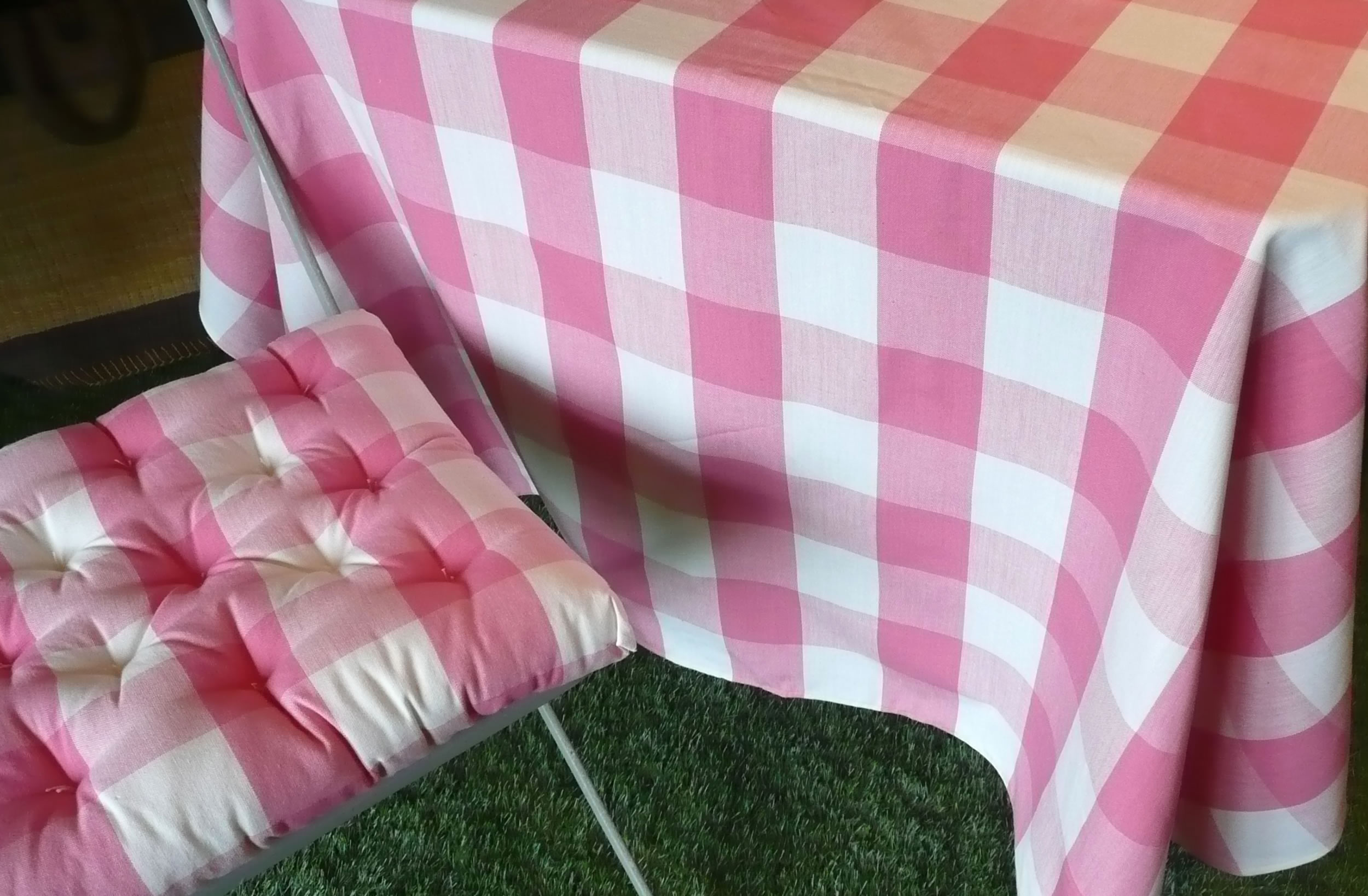 Surprising Gingham Tablecloths Pink White Home Interior And Landscaping Fragforummapetitesourisinfo